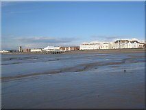 ST3049 : The seafront, Burnham on Sea by Jonathan Thacker