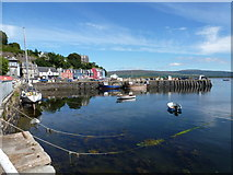 NM5055 : Tobermory: the central pier by Chris Downer