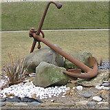 TA1280 : Rusty anchor by Pauline E