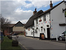 SU3521 : The Old House at Home Pub - Romsey by Colin Babb
