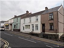 SS8983 : Bridgend Road houses, Aberkenfig by Jaggery