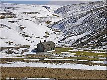 SE0270 : Shooting hut in Mossdale by John Illingworth