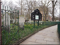 TQ3282 : Bunhill Fields, London, EC1 by David Hallam-Jones