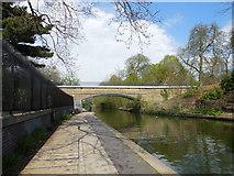 TQ2783 : Bridge over Grand Union Canal by Paul Gillett