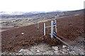 NO4783 : Electric fence with gateway on Craig Brawlin by Dorothy Carse