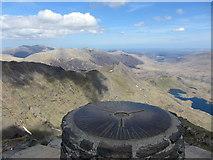 SH6054 : From Snowdon summit towards Crib Goch by Gareth James