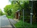 SU9884 : Bus stop on Gerrards Cross Road by Shazz