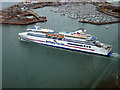 SZ6299 : Ferry leaving Portsmouth by Graham Robson