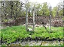 SE0721 : Stile on Elland Footpath 41, north branch by Humphrey Bolton