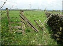 SE0721 : Stile on Elland Footpath 41, south branch by Humphrey Bolton