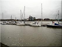 TQ7568 : River Medway, Chatham Reach by David Dixon