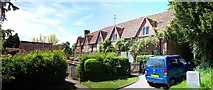SU8695 : Cottages, Hughenden by Len Williams