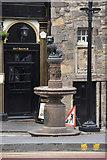 NT2573 : Greyfriars Bobby statue, Candlemaker Row, Edinburgh by Mike Pennington