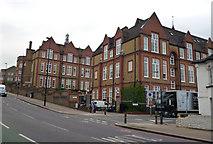 TQ2775 : Lavender Hill School by Dr Neil Clifton