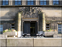 NT2674 : Entrance and coat of arms, St Andrew's House by Robin Stott
