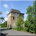 NS8995 : Sauchie Tower by Alan Murray-Rust