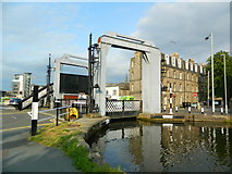 NT2472 : Leamington Lift Bridge, Union Canal, Edinburgh by John Lord