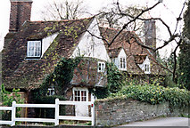 TQ0487 : Misbourne Cottage, Village Road, Denham by Jo Turner