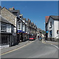 SO0450 : SW end of High Street, Builth Wells by Jaggery