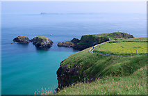 D0644 : Towards Carrick-a-Rede by Rossographer