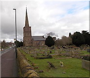 SO6302 : St Mary's Parish Church and churchyard, Lydney by Jaggery