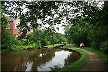 SE0511 : Huddersfield Narrow Canal Lock 37E by Graham Hogg