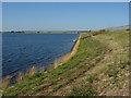 TQ0573 : The reservoir causeway by Alan Hunt