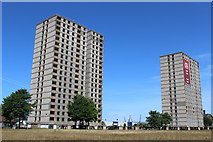 NS5565 : Iona Court, Govan by Leslie Barrie