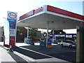 NZ2164 : Service station on West Road by JThomas