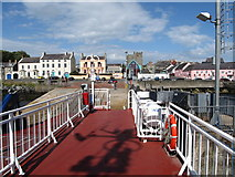 J5950 : MV Portaferry II waiting for vehicles and foot passengers to come aboard by Eric Jones