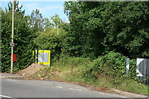 TQ1559 : Abandoned part of Oaklawn Road by Hugh Craddock