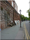 SJ4065 : Chester city walls by Richard Law