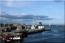 NJ9505 : Harbour mouth at Footdee by Alan Reid