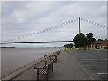 TA0225 : Hessle foreshore towards the Humber Bridge by Ian S