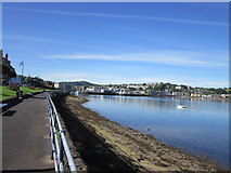 NS0964 : The seafront at Battery Place, Rothesay by Ian S