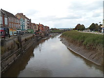 ST3037 : River Parrett north of Town Bridge, Bridgwater by Jaggery