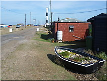TR0916 : The approach road to Dungeness by Marathon