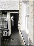 SW9980 : Squeeze Belly Alley Port Isaac by Roy Hughes