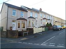 ST1494 : Glenview, Ystrad Mynach by Jaggery