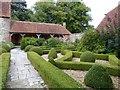 SU8403 : Rymans - box hedges and loggia by Rob Farrow