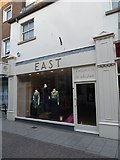SY6990 : EAST, South Street by Basher Eyre