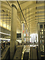 TQ3780 : Canary Wharf, Jubilee Line station concourse by Robin Stott