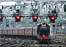NS5864 : The Great Marquess at Glasgow Central by Thomas Nugent