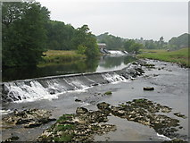 SE0063 : Weirs on the River Wharfe at Grassington by G Laird