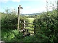 ST3894 : Entrance to two public footpaths, Newbridge on Usk by Christine Johnstone
