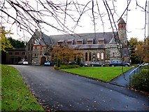 H4572 : First Omagh Presbyterian Church (side view) by Kenneth  Allen