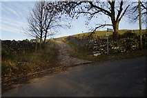 SD9772 : Top Mere Road to Cam Head, Kettlewell by Ian S