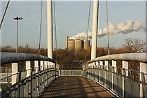 SK7954 : Jubilee Bridge by Richard Croft