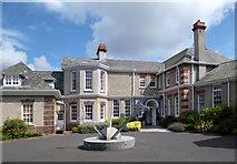 SJ3384 : The Leverhulme Hotel by Des Blenkinsopp