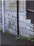ST7565 : Benchmark in St John's Road by Neil Owen